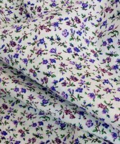 Белая льняная ткань с цветами